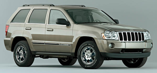 chrysler recalls 469 000 suvs worldwide over gearshift. Black Bedroom Furniture Sets. Home Design Ideas