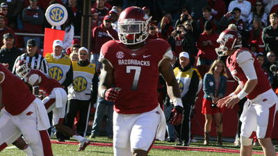 Former Arkansas Razorbacks running-back Knile Davis inks deal with Kansas City Chiefs
