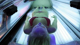 Teenagers and tanning beds: State health officials push to revise consent form