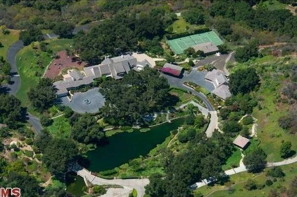 "It's a godsend for billionaires seeking compounds. The 48-acre spread in Brentwood's upper Mandeville Canyon area came on the market recently at $40 million. <br><b>More: </b><a href=""http://www.latimes.com/business/money/la-fi-mo-westside-compounds-20130418,0,2116849.story"" target=""_blank"">12,000-square-foot main house plus house for caretaker</a>"