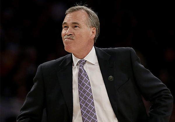 Lakers Coach Mike D'Antoni kept all of Mike Brown's assistants on staff last season.