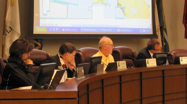 St. Charles aldermen view draft of master plan.