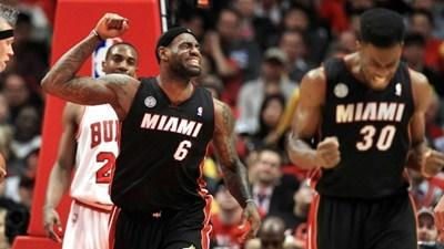 Heat poised to squeeze final playoff breath from Bulls