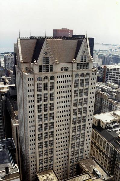 The building at 190 S. LaSalle St. will carry the U.S. Bank name pending city approval.