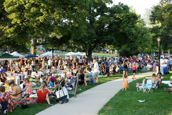 Concert-goers gather for a previous Uniquely Thursday summer concert in Hinsdale.