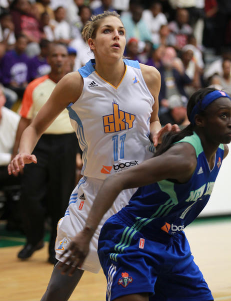 Sky forward-guard Elena Delle Donne battles New York's Essence Carson Toni Young for position during Wednesday's preseason game.