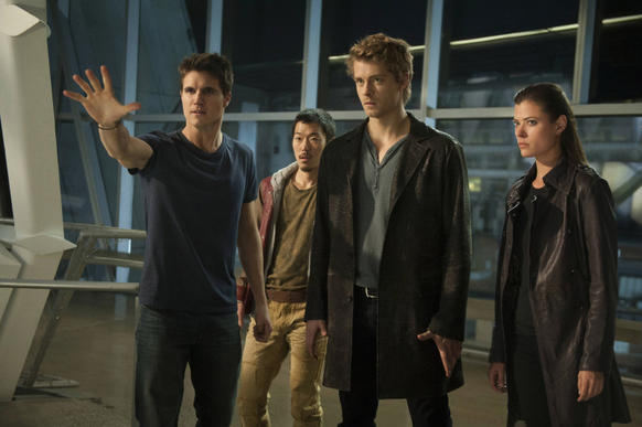 Robbie Amell as Stephen (from left), Aaron Woo as Russell, Luke Mitchell as John and Peyton List as Cara