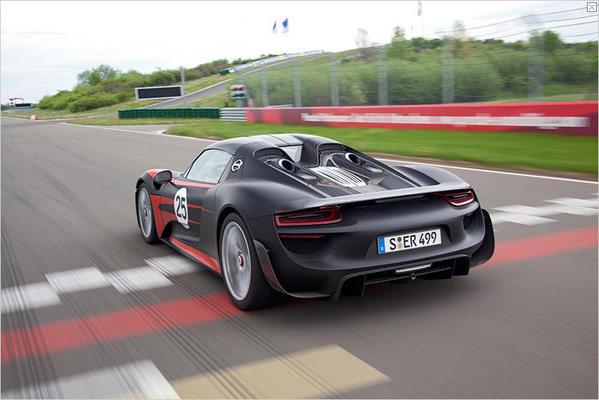 Porsche 918 - Magazine cover