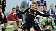 Beckham to retire