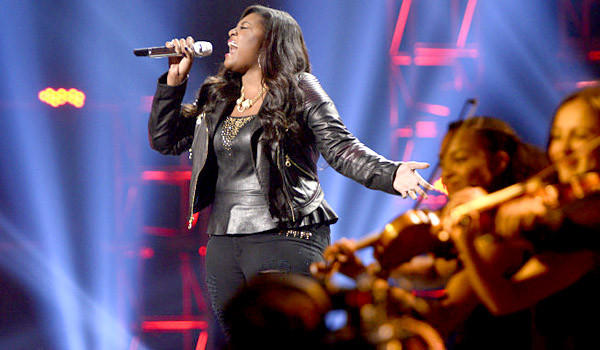 "Candice Glover performs on ""Americn Idol."""