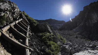 Can sleep at altitude prevent sudden hiker deaths?