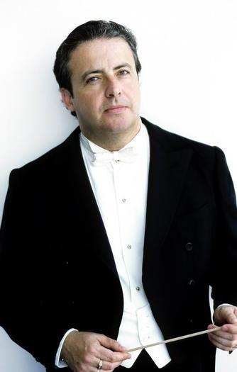 Conductor Juanjo Mena