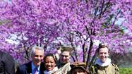 Mayor Rahm Emanuel poses with cast members from last year's Chicago Shakespeare in the Parks.