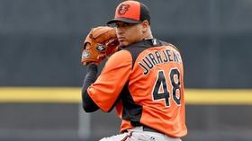 Jair Jurrjens arrives for Saturday start against Rays