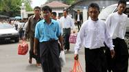 Myanmar frees dissidents before leader's U.S. visit