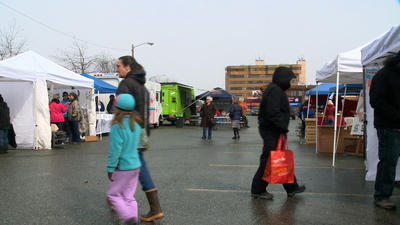 Spenard Farmer's Market Kicks Off 4th Season