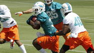 Miami Dolphins sign rookie tailback Mike Gillislee