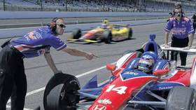 Auto racing: Young Americans waste no time qualifying for 500