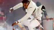 The funniest reactions to Miguel's performance at the Billboard Music Awards