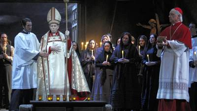 Review: With 'Tosca,' Los Angeles Opera goes for grand