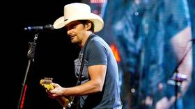 Pictures: Brad Paisley At The Comcast Theatre