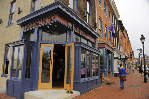 "Restaurant information: <a href=""http://findlocal.baltimoresun.com/listings/admirals-cup-baltimore"">The Admiral's Cup</a> <BR><BR> Review: <span class=""brief-main-headline""><a target=""new"" href=""/entertainment/dining/bs-b-eats-admirals-cup-0522-20130514,0,1365707.story"">The Admiral's Cup in Fells Point grows up</a> </span><br><span class=""brief-subheadline""><br>Overall rating: 2.5 stars <br><br> [Key: Superlative: 5 stars; Excellent: 4 stars; Very Good: 3 stars; Good: 2 stars; Promising: 1 star]"