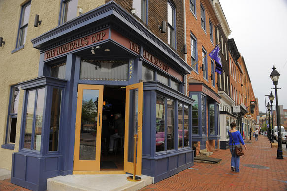 "Restaurant information: <a href=""http://findlocal.baltimoresun.com/listings/admirals-cup-baltimore"">The Admiral's Cup</a> <BR><BR>  Review: <span class=""brief-main-headline""><a target=""new"" href=""/entertainment/dining/bs-b-eats-admirals-cup-0522-20130514,0,7488151.story"">The Admiral's Cup in Fells Point grows up</a> </span><br><span class=""brief-subheadline""><br><b>Overall rating:Rating: 2.5 stars <br><br> [Key: Superlative: 5 stars; Excellent: 4 stars; Very Good: 3 stars; Good: 2 stars; Promising: 1 star]"