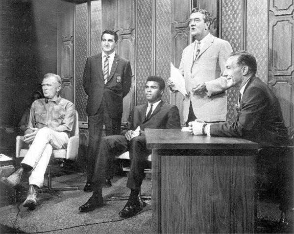 Los Angeles Mayor Sam Yorty, right, hobnobbing with celebs. From left, Buddy Ebsen, Danny Thomas, Muhammad Ali and a man identified as Charles Rourke.