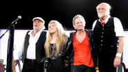 Fleetwood Says Mac Members Actually 'Love Each Other'
