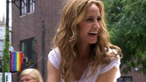 Country singer Chely Wright welcomes identical twins with wife