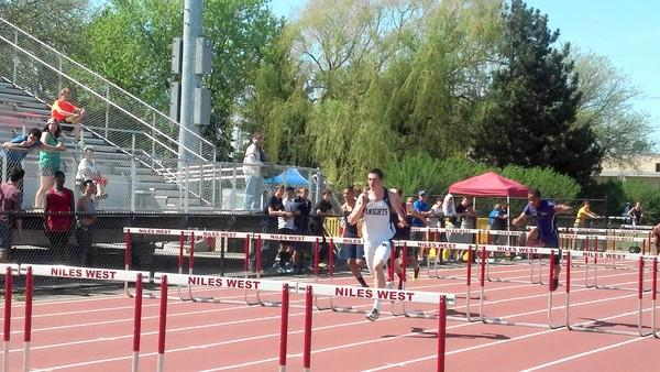 Prospect's Dave Kendziera is a favorite to win the stae championship in 110 meter hurdles
