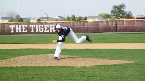 Trevor Henderson delivers a pitch for Plainfield South