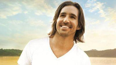 Jake Owen Accidently Goes Commando on Stage