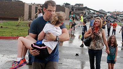 Powerful tornado slams Moore, Okla.