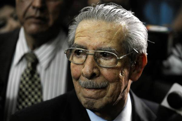 The annulment of the genocide conviction of Guatemalan military dictator Efrain Rios Montt leaves in question the type of retrial he might face.