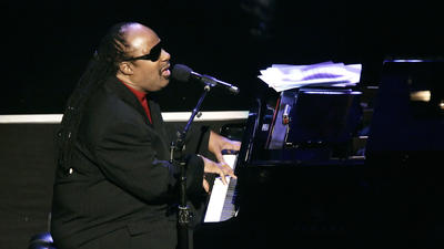 Stevie Wonder plays private concert for Hard Rock VIPs