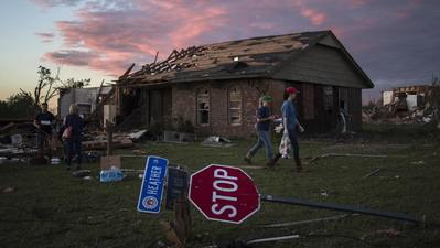 Oklahoma tornado: Hope for survivors fades as crews turn to cleanup, recovery