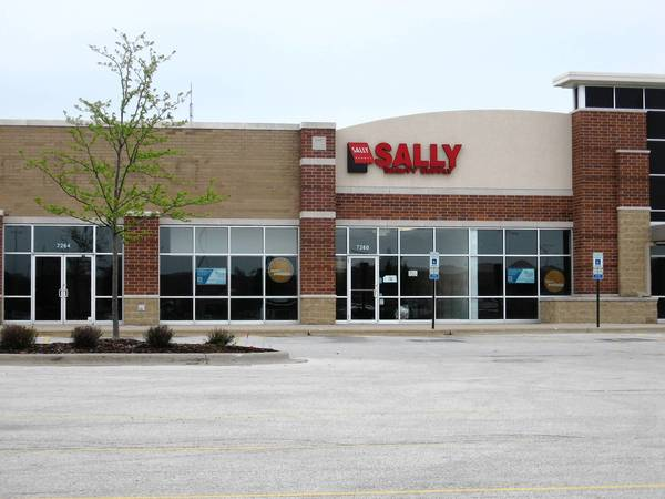 T.J. Maxx has signed a lease to open a new 23,000-square-foot store at Brookside Marketplace in Tinley Park. Other tenants in the building include Cici Nails, Sally Beauty Supply and Performance Dental, who occupy space on the south end.