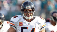 What Bears, fans, others are saying about Urlacher retirement