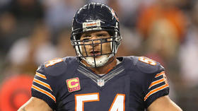Brian Urlacher retires in same year as Ray Lewis