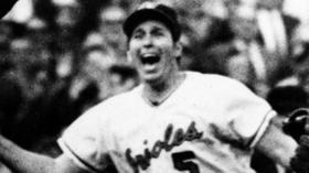 Brooks Robinson or Mike Schmidt: Who is the greatest third baseman in history?