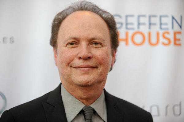 Actor Billy Crystal lands comedy pilot at FX.