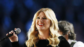 Ex-'American Idol' contestants may return next season as judges
