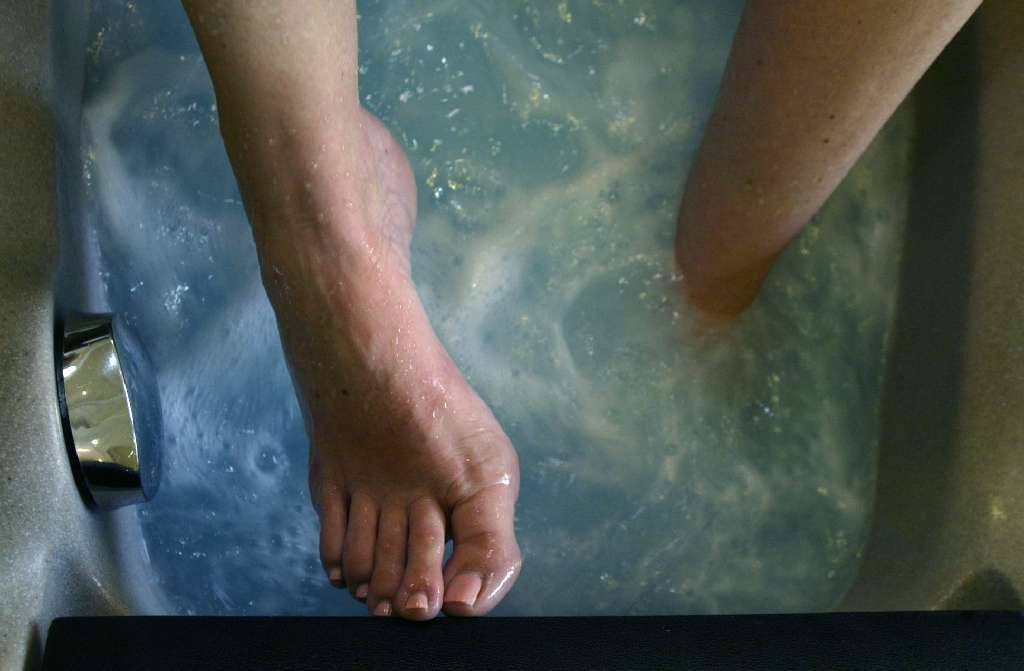 Scientists find more than 100 types of fungi living on our feet
