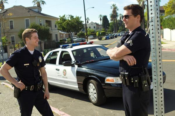 "Ben McKenzie and Shawn Hatosy in a scene from the TNT show ""Southland"" shot on the streets of L.A."