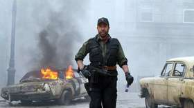 Chuck Norris comes to the defense of Tim Tebow