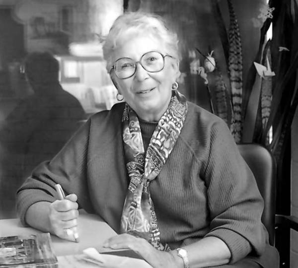 Lucille Dickess, 78, died Feb. 21 of chronic pulmonary disease. She played a major role in the successful fight to unionize pink-collar workers at Yale University. This is a 1997 photo of Dickess.