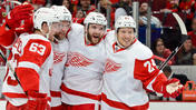 Veteran Red Wings aren't wearing down