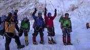 Raw: 80-year-old climbs Mt. Everest