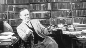 J.R.R. Tolkien's 'Fall of Arthur' and the path to Middle-Earth